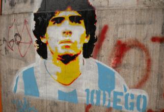 Diego Maradona a murit la 60 de ani