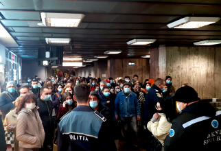 Aglomerație la metrou / Foto: Alex Lancuzov/Facebook