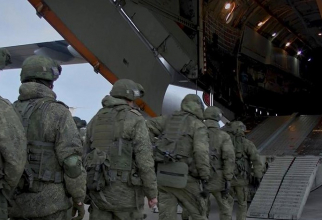 Soldați ruși, în drum spre Nagorno-Karabah