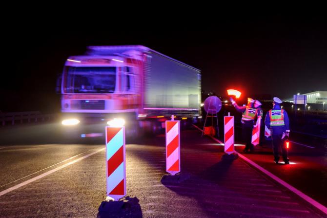 Danemarca a anunţat că a ales să înăsprească şi să intensifice controalele la graniţă din cauza situaţiei din Flensburg.