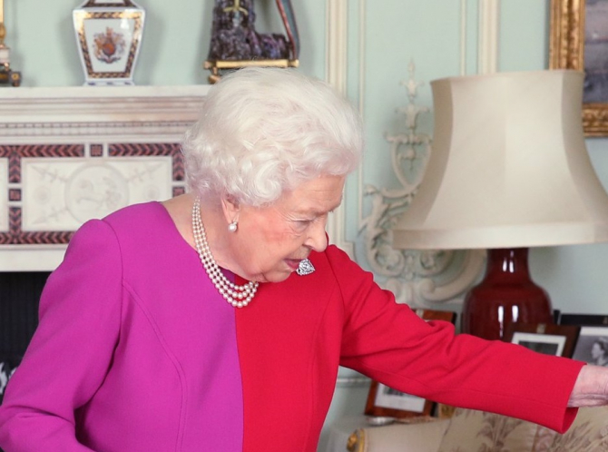 Regina Elisabeta, în LACRIMI! Ce a DĂRÂMAT familia regală