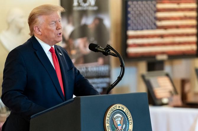 Trump NU este programat pentru VACCINUL anti-COVID-19