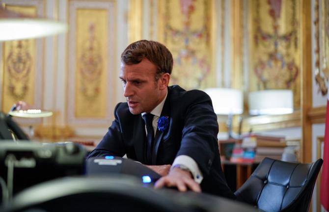 Emmanuel Macron a avut o discuție INTERESANTĂ la telefon cu Vladimir Putin