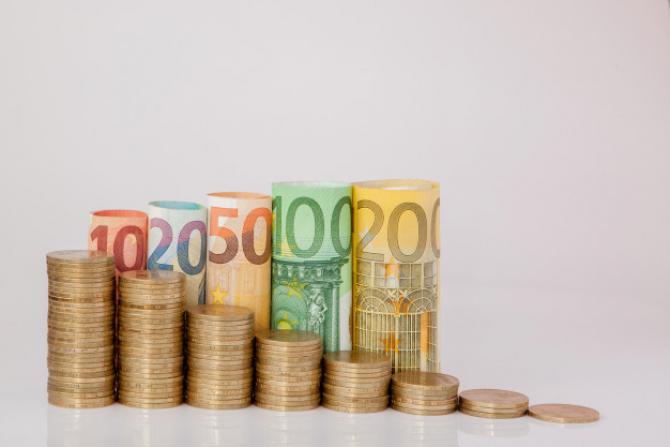 Zona euro ar putea avea nevoie de mai mult sprijin monetar și fiscal