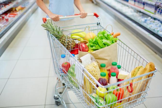 Magazinele trebuie să își schimbe programul
