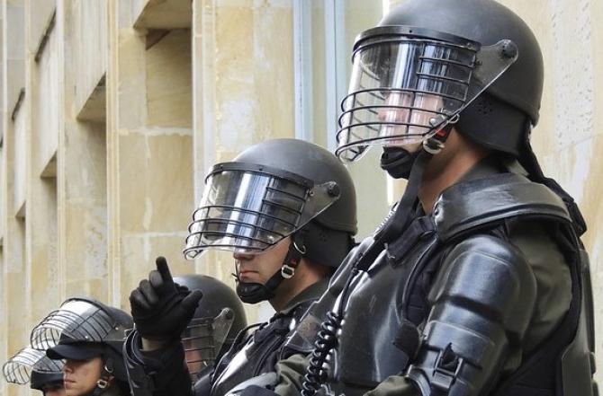 Poliţiştii demisionează din cauza obligaţiei de vaccinare anti-COVID în această țară
