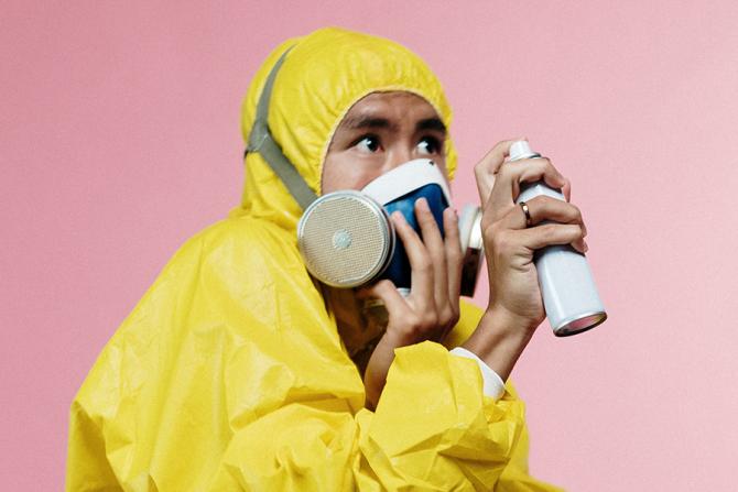 Un recent studiu explică ce șanse avem să ne îmbolnăvim de pe suprafețe