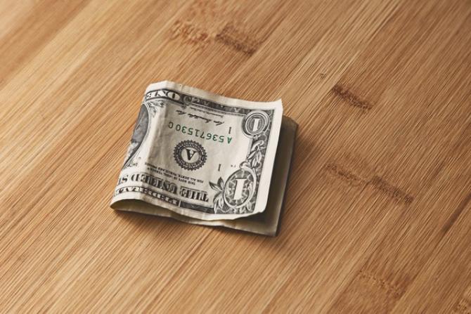 Probleme pentru dolarul american