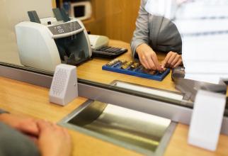 Românii cu rate la bănci pot cere amânarea plății până la nouă luni. Data limită este 15 martie 2021.