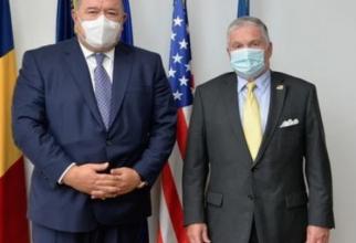 Adrian Zuckerman, ambasadorul SUA în România, alături de Mihai Daraban, președintele CCIR