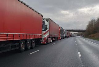 """Transportatorii de marfă sunt preocupaţi şi de intenţia actualului ministru al Transporturilor, Cătălin Drulă, de a introduce vinieta pe kilometru, după principiul """"poluatorul plăteşte""""."""