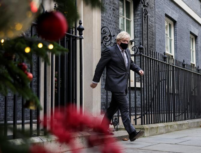 Boris Johnson este foarte mulțumit de sine