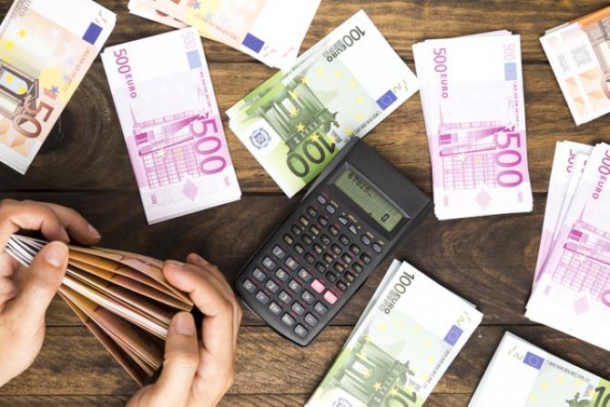 Deficitul balanţei comerciale a României a CRESCUT cu 908,7 milioane de euro în 2020