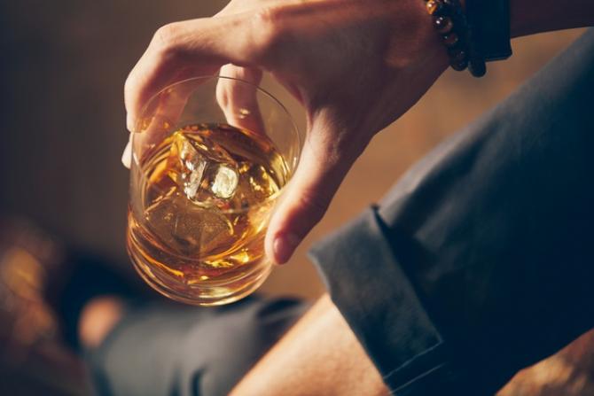 AVERTISMENT! Rusia: Nu mai beți ALCOOL