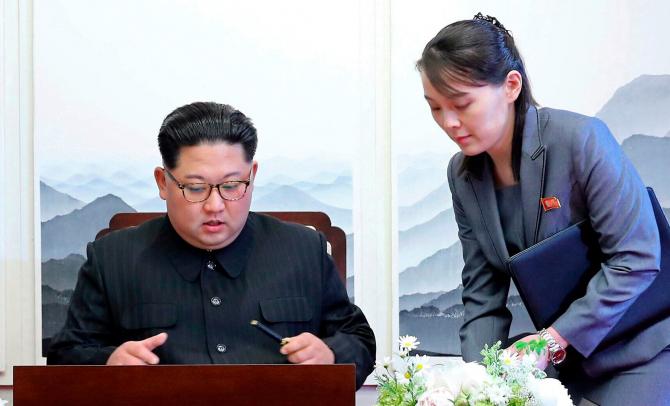Sora lui Kim Jong-Un AVERTIZEAZĂ SUA: Să NU răspândească miros de praf de puşcă