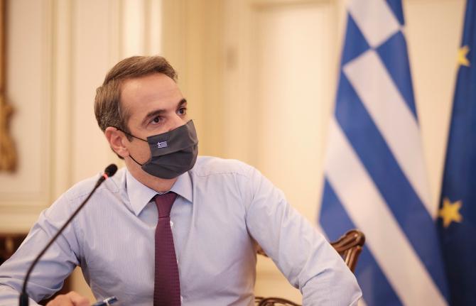 Premierul grec, puternic criticat
