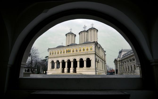 Patriarhia cere modificarea regulilor de înmormântarea pentru persoanele infectate cu COVID-19