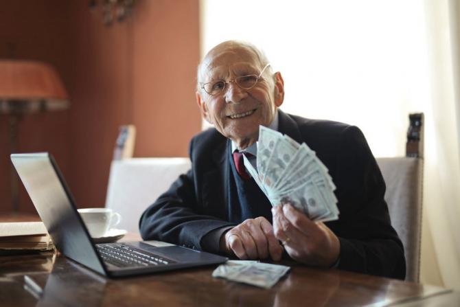 Se reduce vârsta de pensionare iar pensiile se recalculează