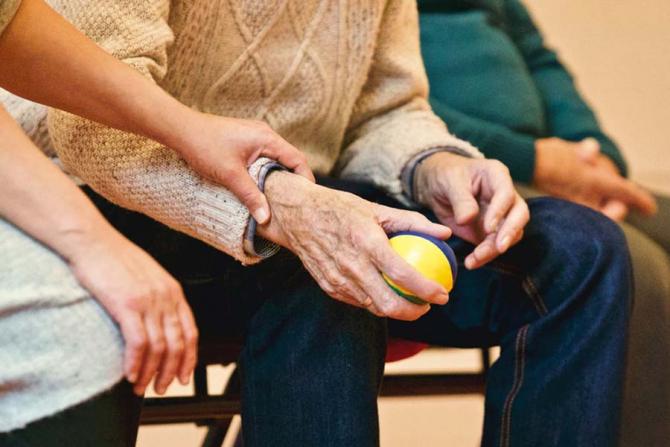 Numărul pensionarilor scade vertiginos