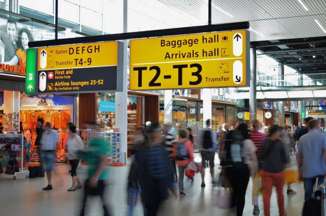 În Sri Lanka a intervenit în cazul unui grup de turişti români care călătoreau spre Maldive.