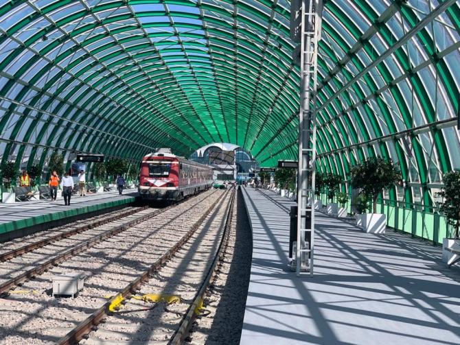 Se poate ajunge la Aeroportul Otopeni și cu trenul