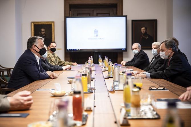 Viktor Orban anunță că vor fi menținute restricțiile încă o lună