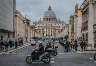 Vaticanul a dat STARTUL! Ce se întâmplă în Roma