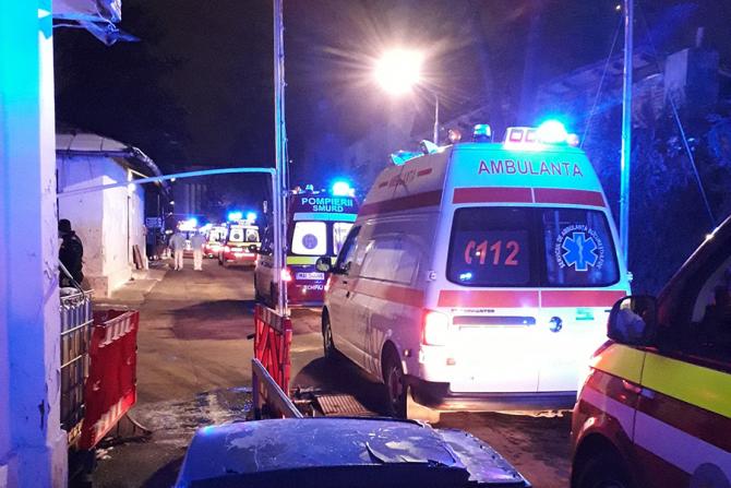 Ambulantele au preluat pacienții de la Spitalul Matei Balș care a luat foc