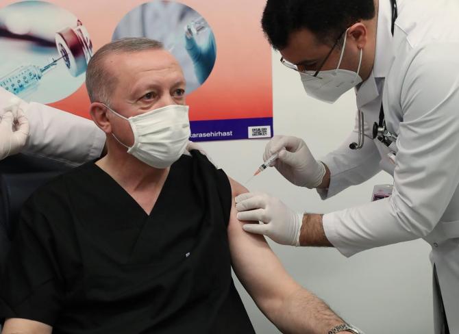 S-a vaccinat și președintele Erdogan
