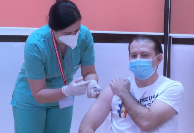 Premierul Florin Cîţu s-a vaccinat anti-COVID-19