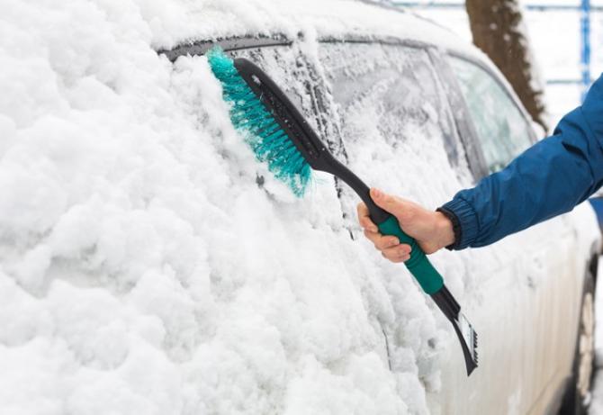 Vremea în București: Va NINGE şi se va DEPUNDE strat MARE de zăpadă