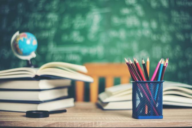 Se vor redeschide sau nu școlile?
