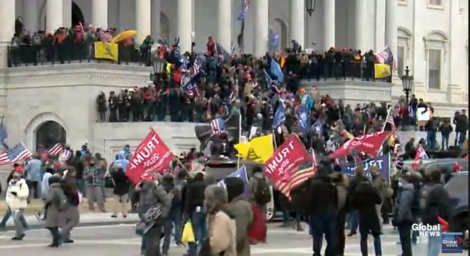 Asaltul de la Capitoliu. Unii dintre protestatari se credeau EXTRATEREȘTRII