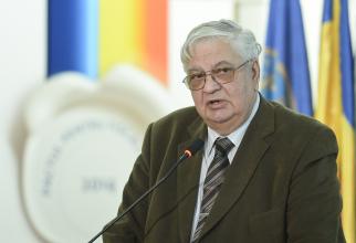 Profesorul Mircea Coșea