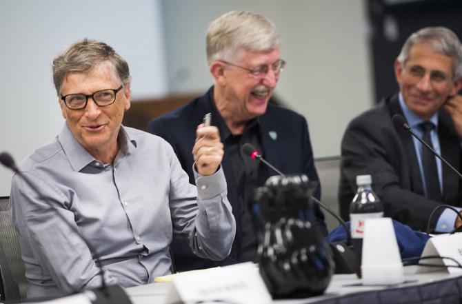 Bill Gates și Anthony Fauci sunt prieteni de peste 10 ani