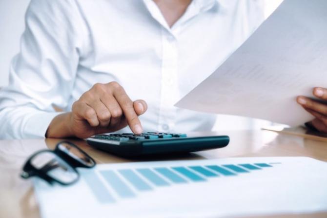 Consolidarea Bugetului se face nu doar prin tăierile bugetare