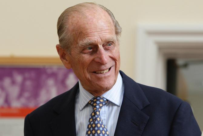 Ducele de Edinbourg este internat în spital