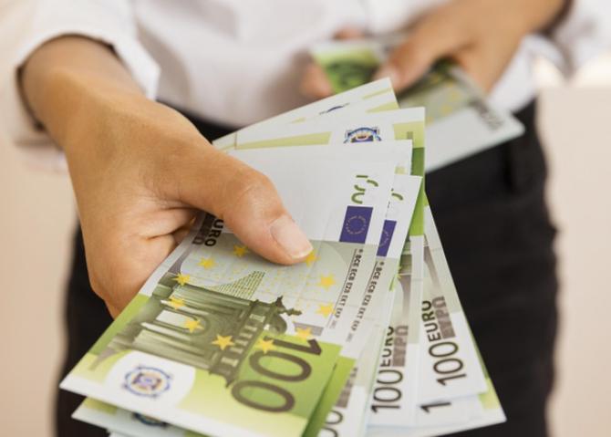 Francezii au pus deoparte 120 de miliarde de euro în perioada pandemiei