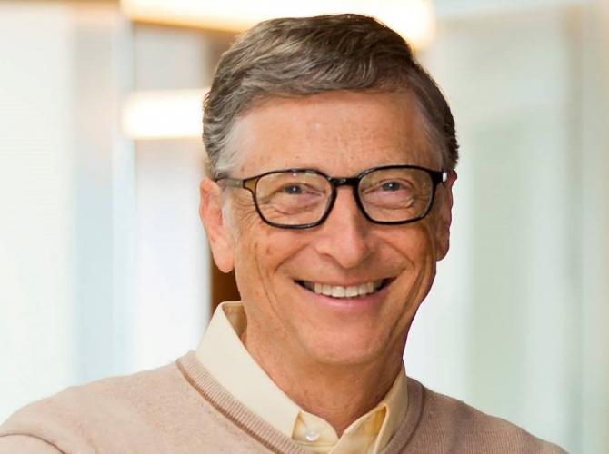 Bll Gates zâmbește și dă vești proaste