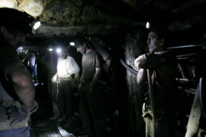 Minerii nu-i mai cred pe guvernanți