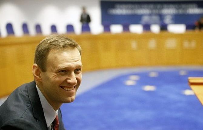 """Dată fiind această evoluţie şi aceste circumstanţe, încep să închei greva foamei"""" a scris Navalnîi."""