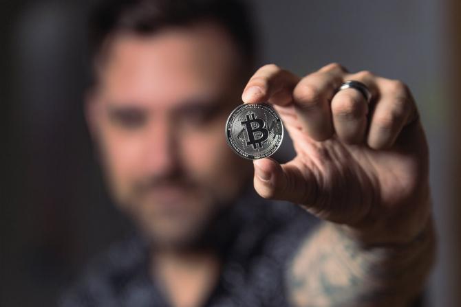 Creatorul Bitcoin ar putea fi cel mai bogat om de pe planetă