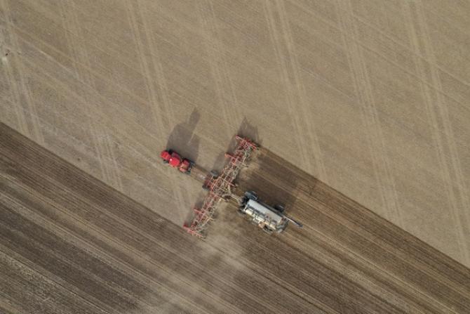 Vânzarea terenurilor agricole se complică un pic