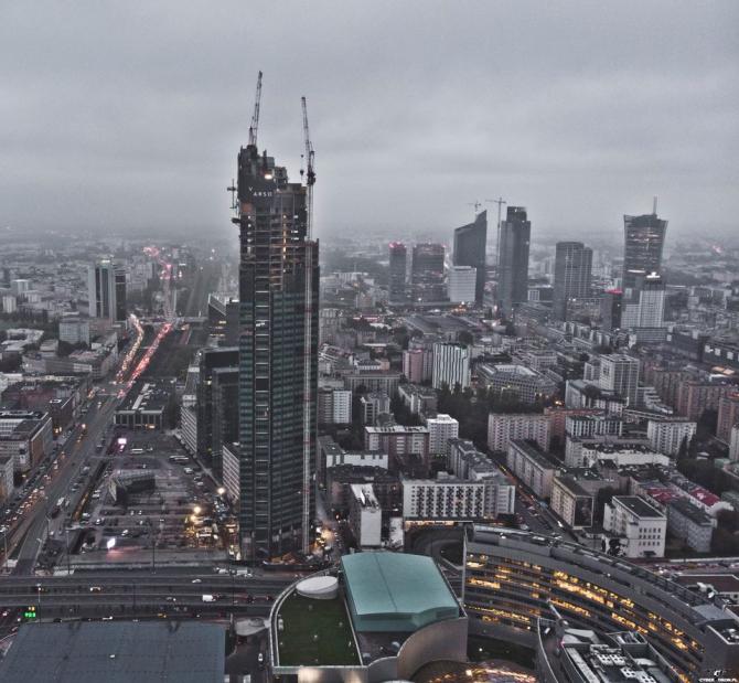 Varso Tower este cea mai ÎNALTĂ clădire din Uniunea Europeană