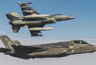 F-35 și F-16. Următorul avion de luptă ar putea fi o combinație între caracteristicile celor două aeronave.