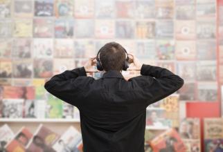 Discurile de vinil detronează CD-urile