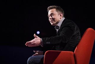 Elon Musk a fost AMENINȚAT de hackerii de la Anonymus