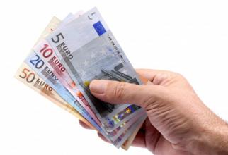 Vești PROASTE pentru românii care PLĂTESC credite sau chirii în EURO