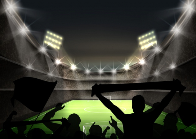 Spectatorii vor fi obligaţi, totodată, să se înregistreze pe o aplicaţie pentru smartphone şi să se supună unui test rapid de depistare a coronavirusului înainte de a intra pe stadion.
