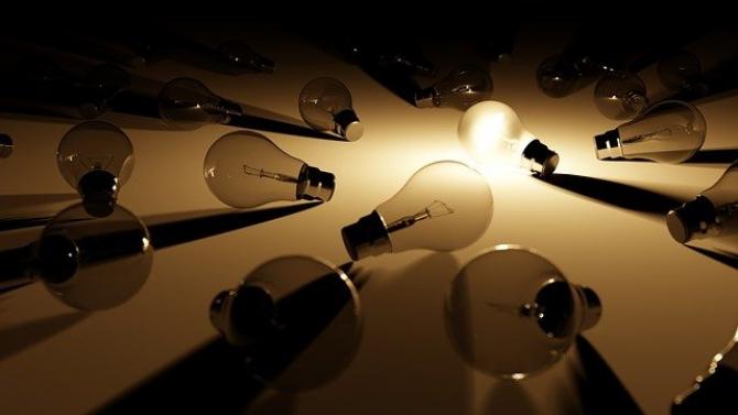 INS: Energia ELECTRICĂ s-a SCUMPIT cel mai mult în martie